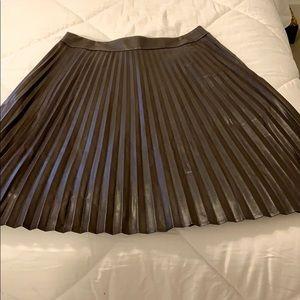 Ann Taylor brown faux leather skirt sz 6